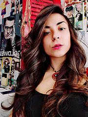 Maria Freedu model & dj. Photoshoot of model Maria Freedu demonstrating Face Modeling.Face Modeling Photo #223495
