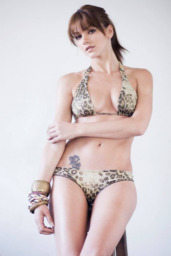 Maria Iuliana Somu model (μοντέλο). Photoshoot of model Maria Iuliana Somu demonstrating Body Modeling.Body Modeling Photo #112126