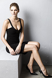 Maria Iuliana Somu model (μοντέλο). Photoshoot of model Maria Iuliana Somu demonstrating Fashion Modeling.Fashion Modeling Photo #112154