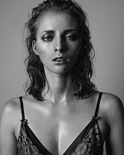 Maria Kononevskaya model. Maria Kononevskaya demonstrating Face Modeling, in a photoshoot by Meri Björn.Photographer: Meri BjörnFace Modeling Photo #97124