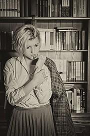 Marina Bondarevska model (μοντέλο). Photoshoot of model Marina Bondarevska demonstrating Editorial Modeling.Editorial Modeling Photo #165967