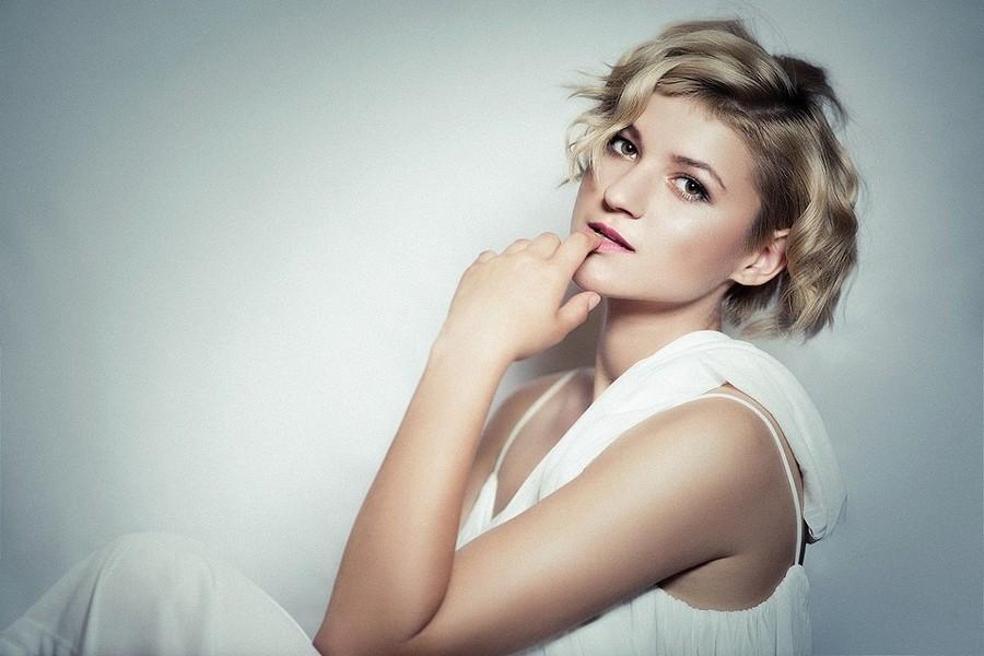 Marina Bondarevska model (μοντέλο). Photoshoot of model Marina Bondarevska demonstrating Face Modeling.Face Modeling Photo #165978