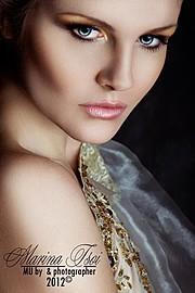 Специализация: фэшнфотография, портфолио моделям, бьютисъемки, реклама, макросъемка (ювелирные украшения), детская съемка, свадебная фотогра