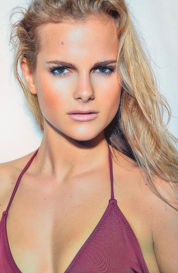 Marine Guadalpi model. Photoshoot of model Marine Guadalpi demonstrating Face Modeling.Face Modeling Photo #116904
