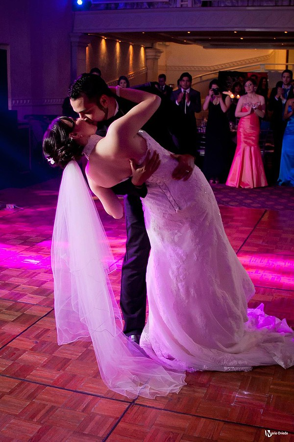 Mario Oviedo Gonzalez photographer. Work by photographer Mario Oviedo Gonzalez demonstrating Wedding Photography.Wedding Photography Photo #77506