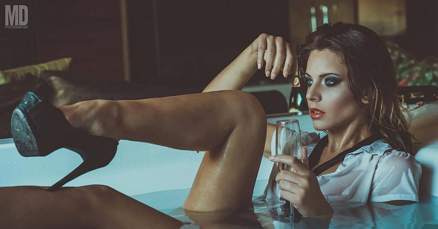 Marisa Maffeo model (modella). Marisa Maffeo demonstrating Fashion Modeling, in a photoshoot by Mario Dosi with makeup done by Mara Bottoni.photographer: Mario Dosimakeup: Mara BottoniFashion Modeling Photo #172861