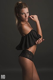 Marisa Maffeo model (modella). Marisa Maffeo demonstrating Fashion Modeling, in a photoshoot by Mario Dosi.photographer: Mario DosiFashion Modeling Photo #172872