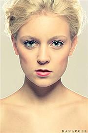 Marte Wang model (modell). Photoshoot of model Marte Wang demonstrating Face Modeling.Face Modeling Photo #82423