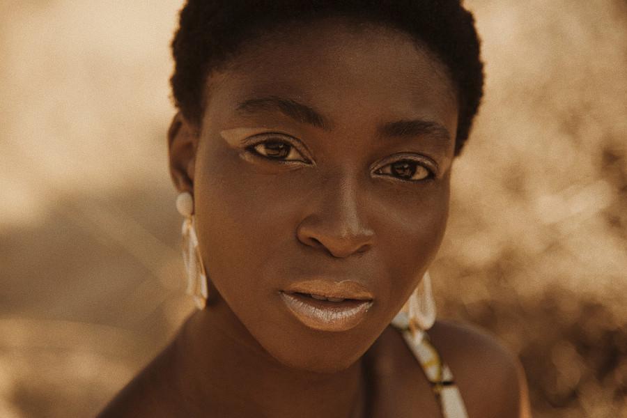 Mary Olagbegi model (μοντέλο). Photoshoot of model Mary Olagbegi demonstrating Face Modeling.Face Modeling Photo #214173