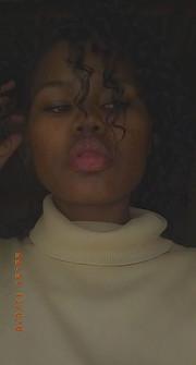 Mashela Loullen model. Photoshoot of model Mashela Loullen demonstrating Face Modeling.Face Modeling Photo #232958