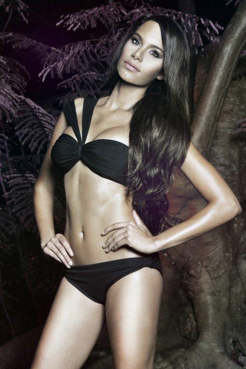 Maydelise Columna model. Photoshoot of model Maydelise Columna demonstrating Body Modeling.Body Modeling Photo #91866