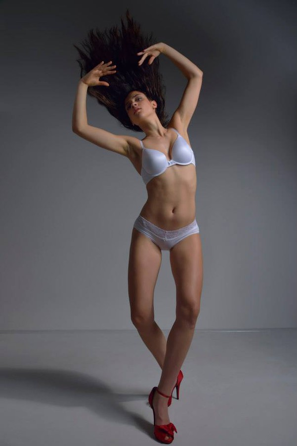 Meaghan Monaghan model. Photoshoot of model Meaghan Monaghan demonstrating Body Modeling.Body Modeling Photo #111876