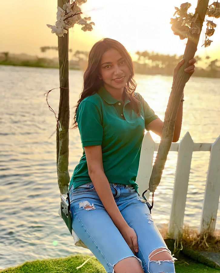 Menna Mahmoudd model. Photoshoot of model Menna Mahmoudd demonstrating Fashion Modeling.Fashion Modeling Photo #231894