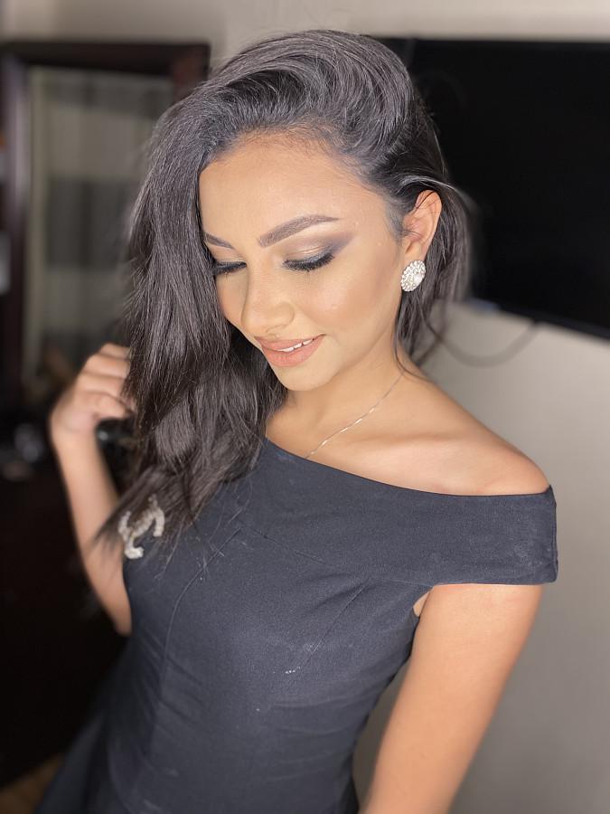 Menna Mahmoudd model. Photoshoot of model Menna Mahmoudd demonstrating Face Modeling.Face Modeling Photo #231899