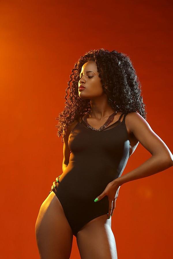 Mercy Tom model, Antony Trivet kenyan wedding fashion portraiture. Photoshoot of model Mercy Tom demonstrating Body Modeling.mode: Mercy TomBody Photography,Body Modeling Photo #186279