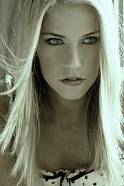 Mersina Blackman model. Photoshoot of model Mersina Blackman demonstrating Face Modeling.Face Modeling Photo #102372