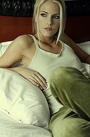 Mersina Blackman model. Photoshoot of model Mersina Blackman demonstrating Face Modeling.Face Modeling Photo #102373