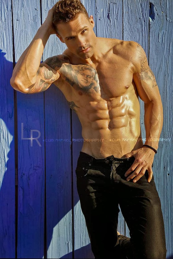 Michael Born model. Photoshoot of model Michael Born demonstrating Body Modeling.Body Modeling Photo #109265