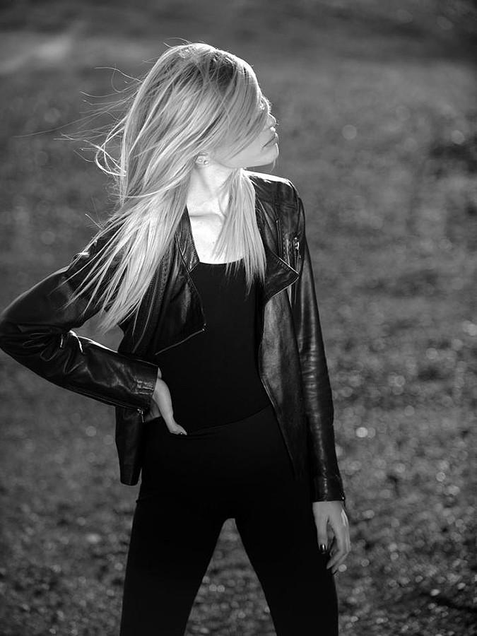 Mina Tzana model (μοντέλο). Photoshoot of model Mina Tzana demonstrating Fashion Modeling.Fashion Modeling Photo #161743