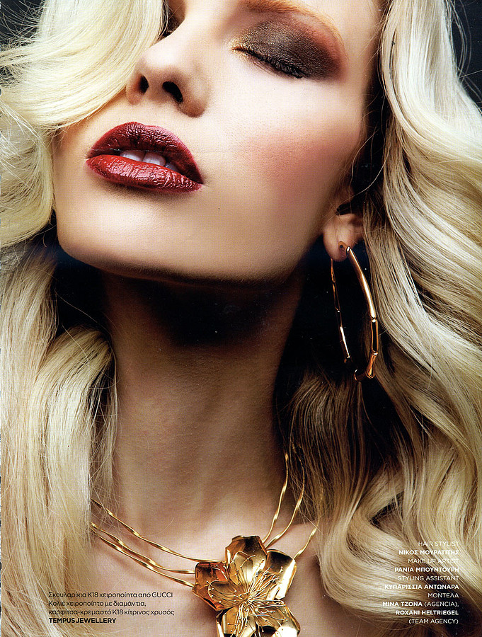 Mina Tzana model (μοντέλο). Photoshoot of model Mina Tzana demonstrating Face Modeling.Tempus JewelleryNecklaceFace Modeling Photo #161750