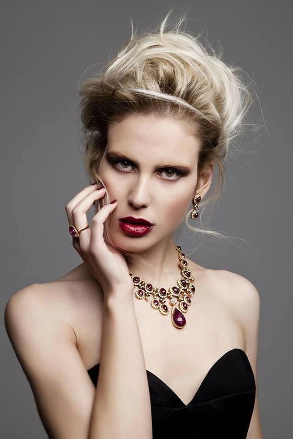Ace Models Athens modeling agency (πρακτορείο μοντέλων), Mina Tzana model (μοντέλο). Photoshoot of model Mina Tzana demonstrating Face Modeling.agency; Ace Models AthensEarrings,NecklaceFace Modeling,Women Casting Photo #161722