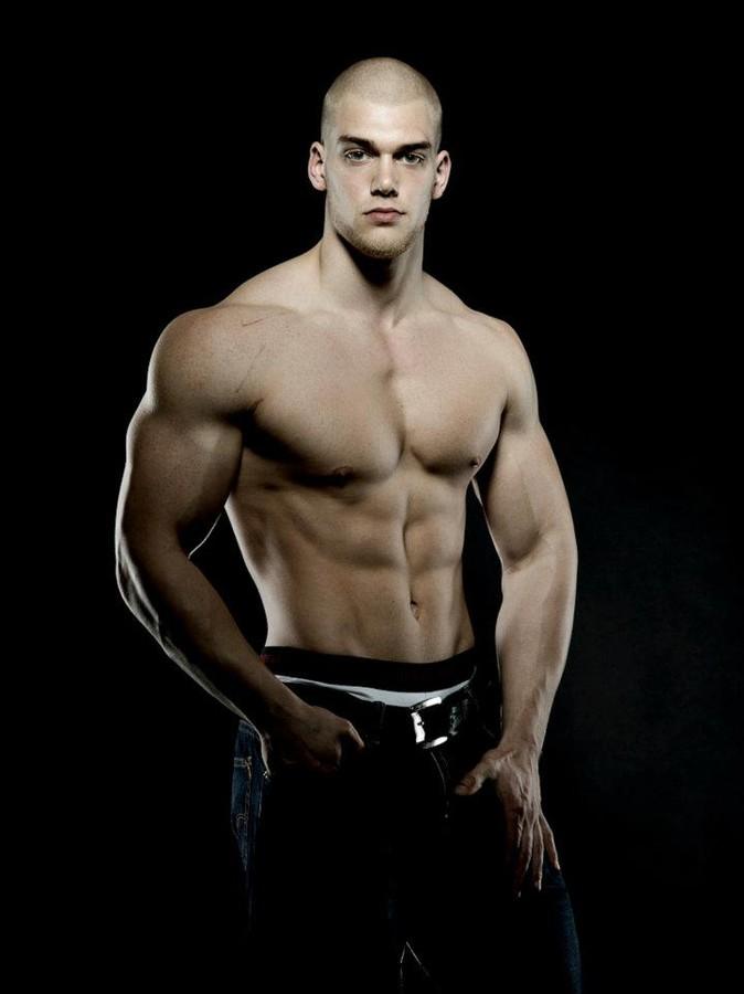 Mischa Janiec natural bodybuilder. Photoshoot of model Mischa Janiec demonstrating Body Modeling.Body Modeling Photo #73681