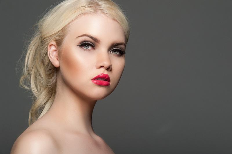 Molly Morris Model