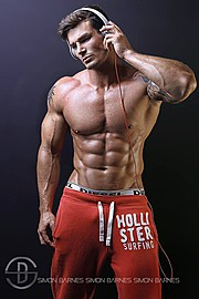 Myles Leask is an Agency represented Commercial/Fitness Model and Personal Trainer sponsored by NRGFUEL Sports Nutrition, GSN Nutrition, Fit