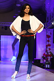 Nadia Kashif model. Photoshoot of model Nadia Kashif demonstrating Runway Modeling.Runway Modeling Photo #171226