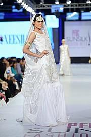 Nadia Kashif model. Photoshoot of model Nadia Kashif demonstrating Runway Modeling.Wedding GownRunway Modeling Photo #171231