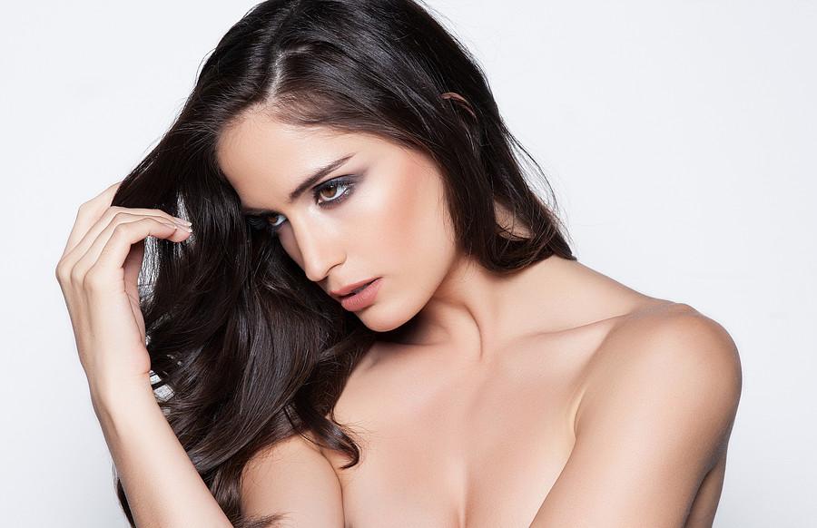 Natalia Barulich model. Photoshoot of model Natalia Barulich demonstrating Face Modeling.Face Modeling Photo #120348