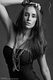 Natalia Raurell model. Photoshoot of model Natalia Raurell demonstrating Face Modeling.Face Modeling Photo #120502