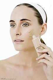 Natalia Raurell model. Photoshoot of model Natalia Raurell demonstrating Face Modeling.Face Modeling Photo #120514