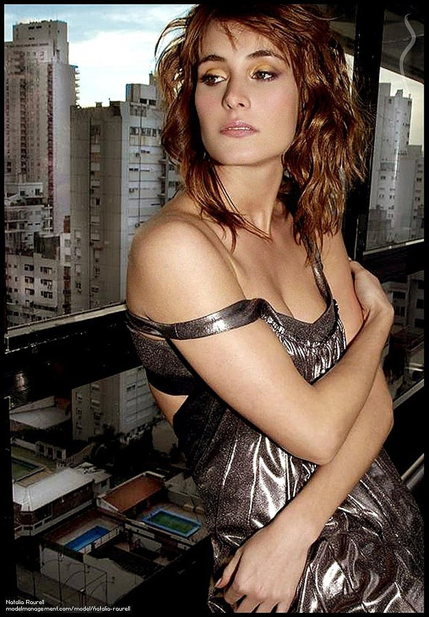 Natalia Raurell model. Photoshoot of model Natalia Raurell demonstrating Face Modeling.Face Modeling Photo #120509