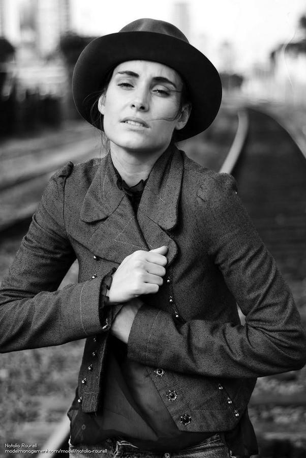 Natalia Raurell model. Photoshoot of model Natalia Raurell demonstrating Face Modeling.Face Modeling Photo #120524