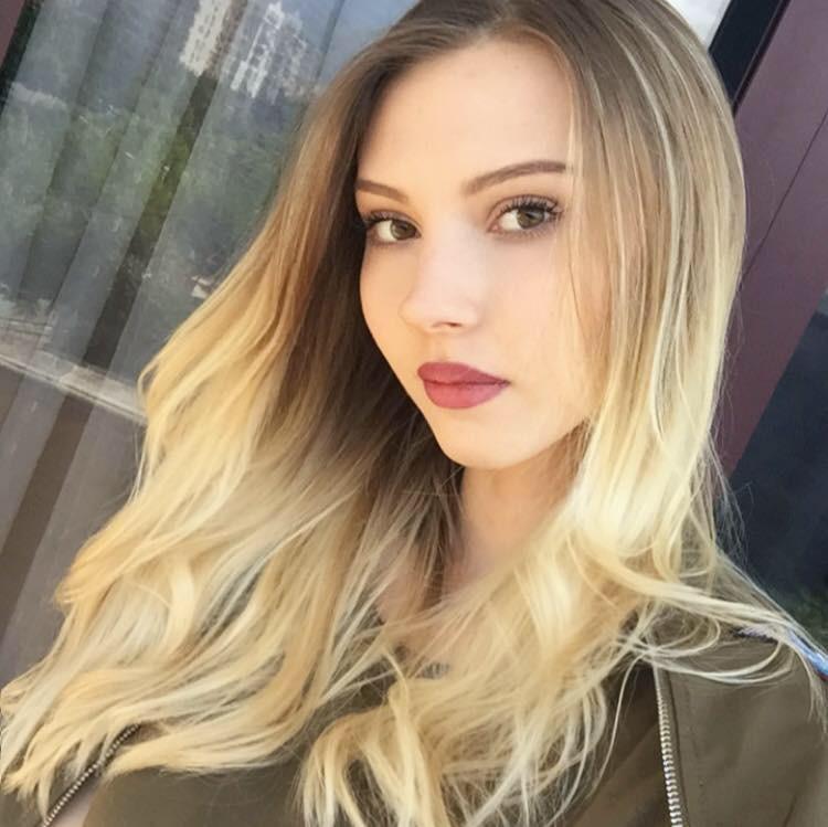 Natalia Stamuli model (Ναταλία Σταμούλη μοντέλο). Photoshoot of model Natalia Stamuli demonstrating Face Modeling.Face Modeling Photo #178681