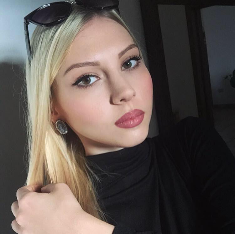 Natalia Stamuli model (Ναταλία Σταμούλη μοντέλο). Photoshoot of model Natalia Stamuli demonstrating Face Modeling.Face Modeling Photo #178682