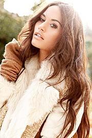 Natalie Lawrence model. Photoshoot of model Natalie Lawrence demonstrating Face Modeling.Face Modeling Photo #129141