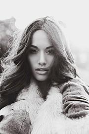 Natalie Lawrence model. Photoshoot of model Natalie Lawrence demonstrating Face Modeling.Face Modeling Photo #129142