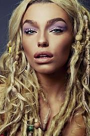 Natalie Phillips model. Photoshoot of model Natalie Phillips demonstrating Face Modeling.Face Modeling Photo #169185