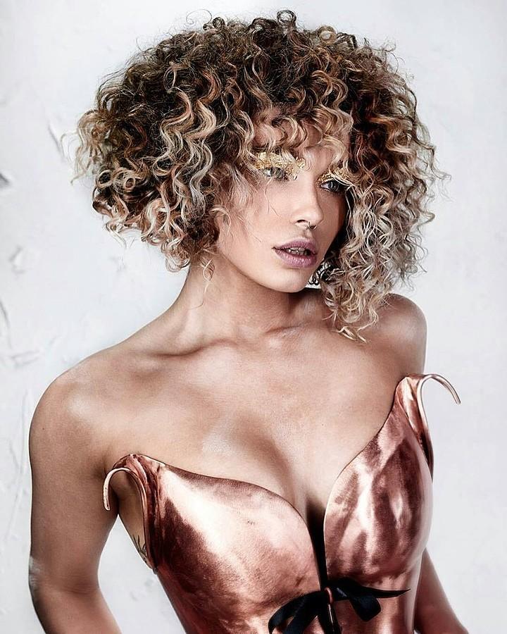 Natalie Phillips model. Photoshoot of model Natalie Phillips demonstrating Face Modeling.Face Modeling Photo #170955