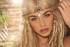 Natalie Phillips model. Photoshoot of model Natalie Phillips demonstrating Face Modeling.Face Modeling Photo #71511