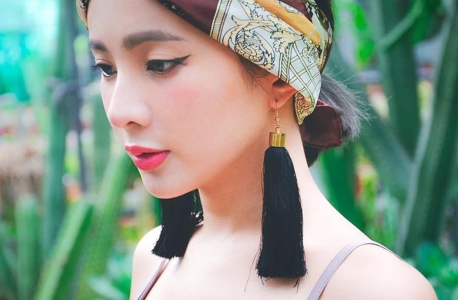 Natalie Tien model. Photoshoot of model Natalie Tien demonstrating Face Modeling.Face Modeling Photo #172222