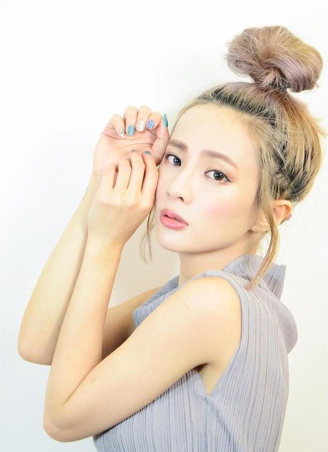 Natalie Tien model. Photoshoot of model Natalie Tien demonstrating Face Modeling.Face Modeling Photo #172228