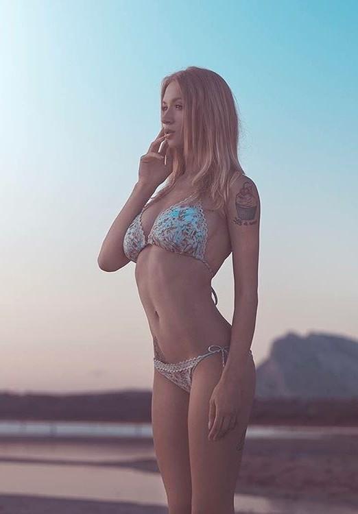 Natasha Legeyda model (modella). Natasha Legeyda demonstrating Body Modeling, in a photoshoot by Sergio Derosas.photographer: sergio derosasSwimwearBody Modeling Photo #169954
