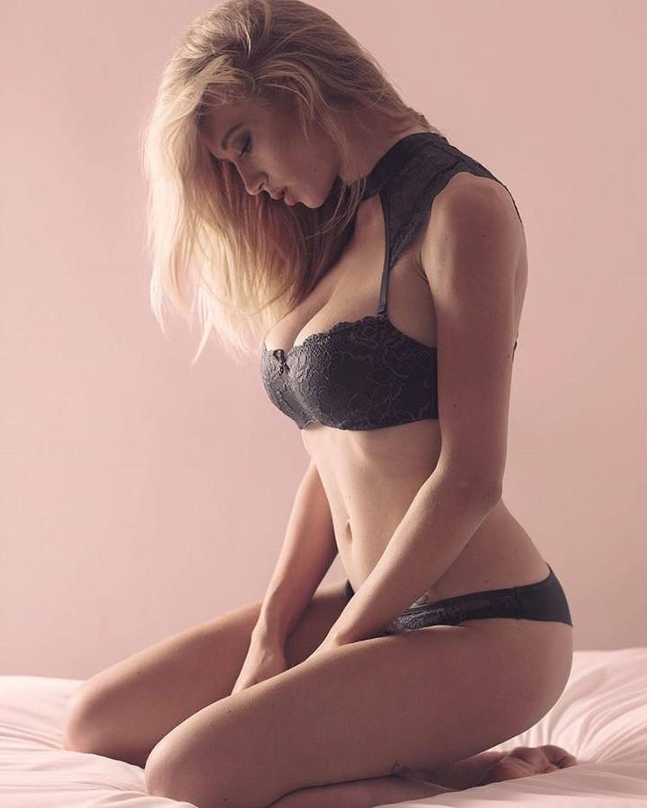 Natasha Legeyda model (modella). Natasha Legeyda demonstrating Body Modeling, in a photoshoot by Leonard Gren.photographer: Leonard GrenBody Modeling Photo #178009