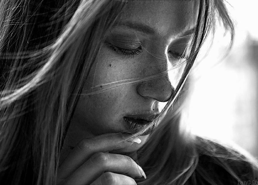 Natasha Legeyda model (modella). Natasha Legeyda demonstrating Face Modeling, in a photoshoot by Ian Giuliano.photographer: Ian GiulianoFace Modeling Photo #191829