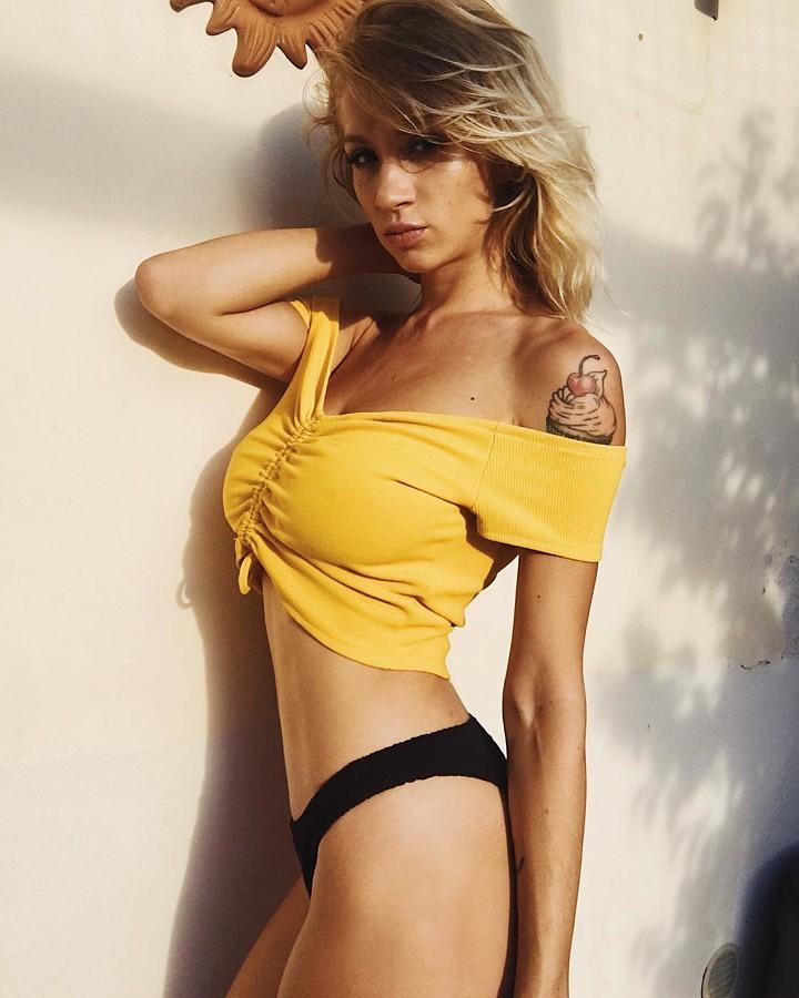 Natasha Legeyda model (modella). Photoshoot of model Natasha Legeyda demonstrating Body Modeling.Body Modeling Photo #200248