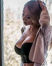 Natasha Legeyda model (modella). Natasha Legeyda demonstrating Fashion Modeling, in a photoshoot by Gabriele Galassi.photographer: Gabriele GalassiFashion Modeling Photo #232082