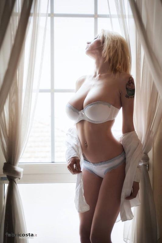 Natasha Legeyda model (modella). Photoshoot of model Natasha Legeyda demonstrating Body Modeling.Body Modeling Photo #96842